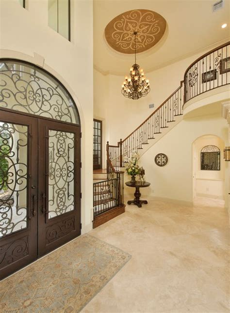 Decorating A Hallway Entrance by Focusing On The Most Of Your Entrance