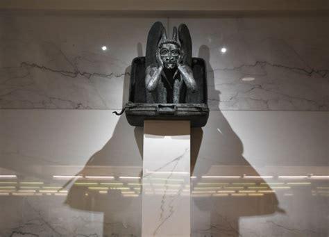 denver airport illuminati denver airport conspiracies the definitive guide to the
