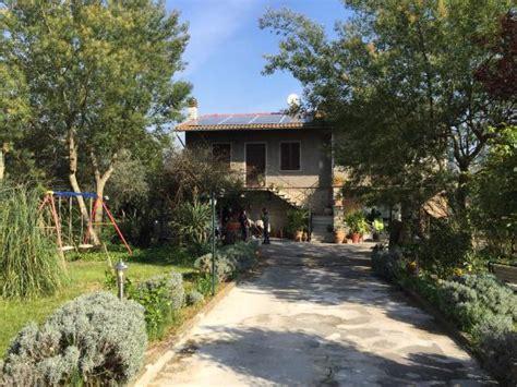 al giardino degli ulivi al giardino degli ulivi tuoro sul trasimeno italie
