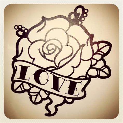 tattoo old school rose significato tatuaggi ancore rondini rose dei venti old school