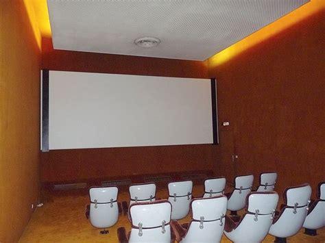 Construire Sa Salle De Cinema 4588 by Les Lieux Cach 233 S De L 201 Lys 233 E La Croix