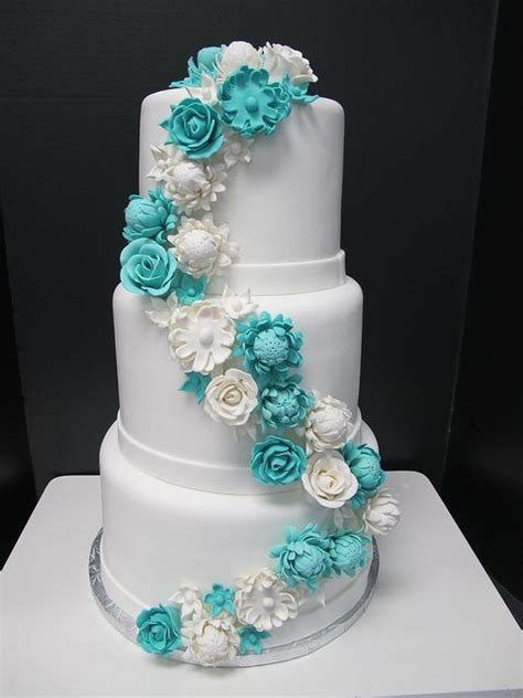 elegant tiffany blue wedding cake ideas weddingomania