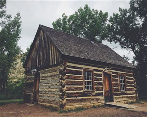 Maltese Cross Cabin by Medora Explore It Adore It What To Do