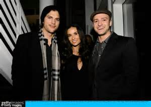 Power Demi Ashton Kutcher by Bowl 2011 Demi Ashton Kutcher And Justin