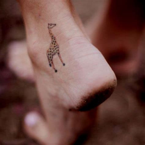 kinkos tattoo paper giraffe tattoos giraffes and tattoos and body art on