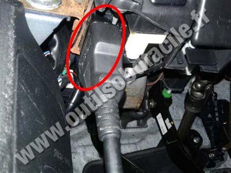 on board diagnostic system 1992 mazda mx 5 electronic valve timing einbauort der obd2 stecker in mazda mx 5 nc 2006 2015 klavkarr by outils obd facile