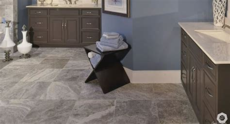 larger tiles make a small room appear do larger tiles tend to make a small room appear big diy shareable
