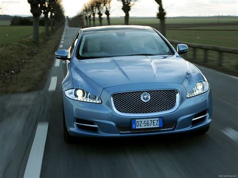 Jaguar Car Xj Wallpaper by Jaguar Car Logo Jaguar Xj Wallpaper Hd Johnywheels