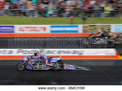 Motorrad Van De Berg by Top Fuel Drag Motorradrennen Auf Dem Santa Pod Raceway