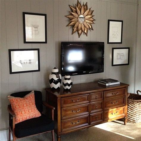 Decorating Ideas Above Tv Best 25 Above Tv Decor Ideas On Living Room