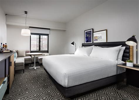 hotels with in room in ma hotel rooms suites in cambridge ma freepoint hotel