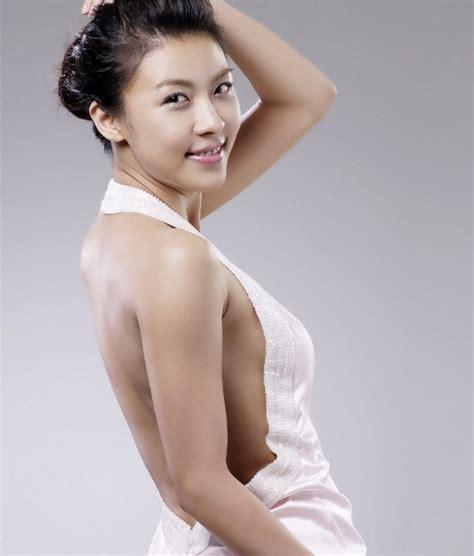 korean actress man 10 photos that prove ha ji won voluminous figure daily