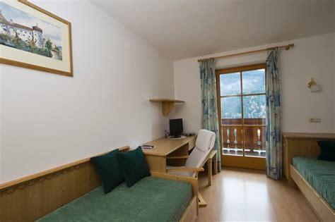 azienda soggiorno castelrotto appartamenti in agriturismo koflerhof s cipriano alpe