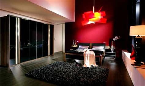 schlafzimmer einrichten rotes bett schwarze wandfarbe f 252 r schlafzimmer 30 bilder