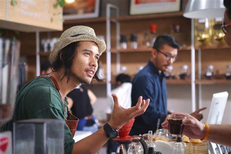 cerita film filosofi kopi secangkir kopi dan sebuah persahabatan jawapos com
