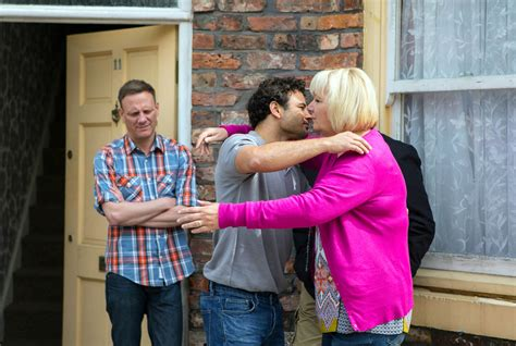 who is leaving soaps 2016 coronation street spoilers ryan thomas reveals the reason