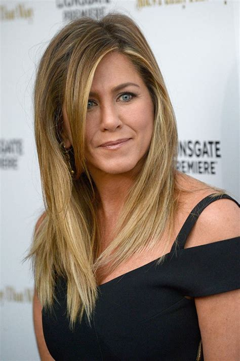 jennifer aniston steps out with new blond bangs while jennifer aniston jen picture thread 20 because it s