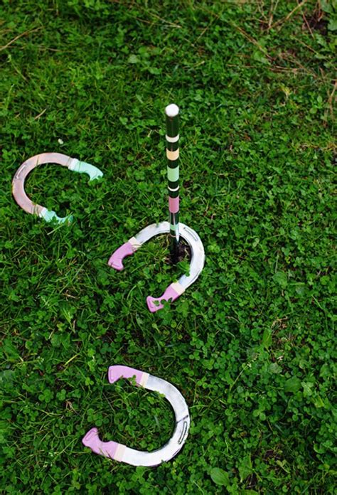 backyard horseshoes 14 diy backyard games to turn your party up