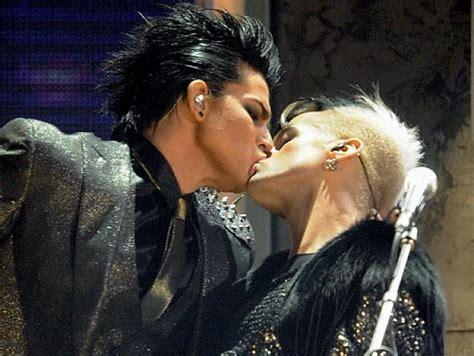 tattoo kiss mp3 download adam lambert gay kiss on stage