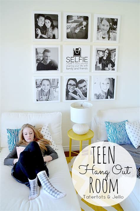 how to decorate a teen girl s walls bedroom with istagram selfie wall