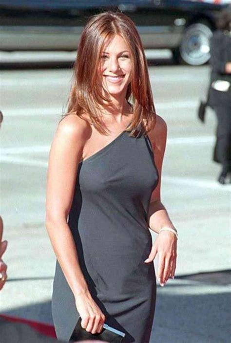 Jennifer Lawrence Caught Braless Flashes Nipple Poke Jennifer Aniston Naked 15 Photos