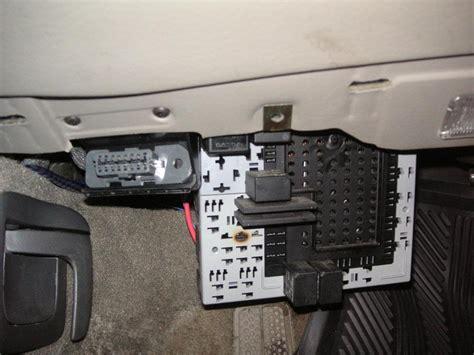 find  fuel pump relay   volvo xc