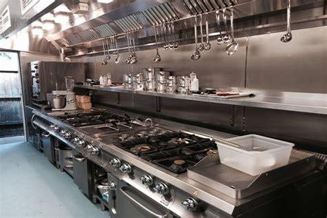 offerte lavoro chef di cucina cercasi aiuto cuoco o commis in gran bretagna