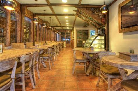 Sofa Cafe Minimalis kayu cafe gili trawangan restaurant reviews phone number photos tripadvisor