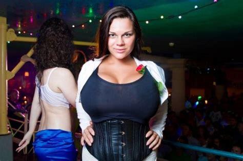 payudara terbesar didunia unique maria zarring rekor payudara terbesar di dunia