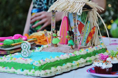 591 best images about luau on pinterest tiki totem luau alyssa s tiki hut luau cake luau pinterest photos