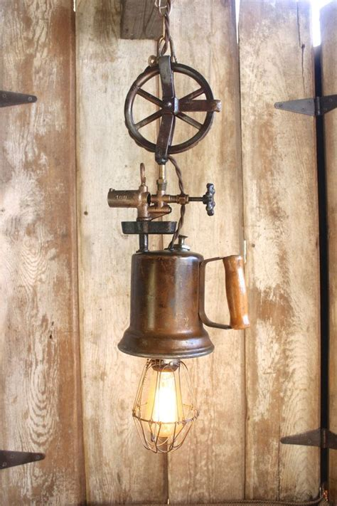 Vintage Industrial Style Hanging L Edison Bulb Cage