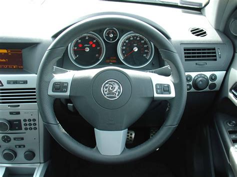 vauxhall astra automatic vauxhall astra estate review 2004 2010 parkers