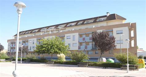 pisos sareb la sareb pone en alquiler 1 100 viviendas en toda espa 241 a