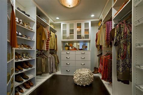 small walk  closet ideas  optimizing  minimalist