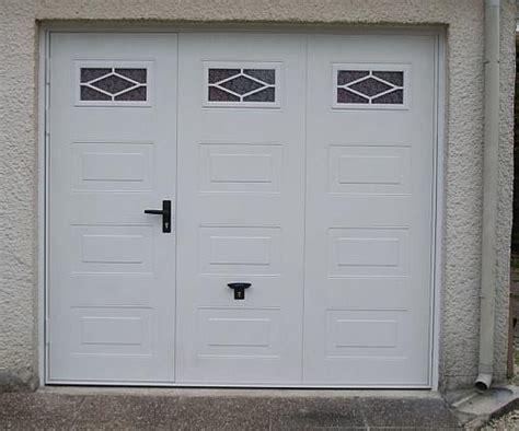 portes de garage en bois sur mesure en pvc ou alu