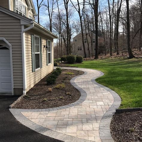 backyard walkway ideas best 25 paver walkway ideas on backyard