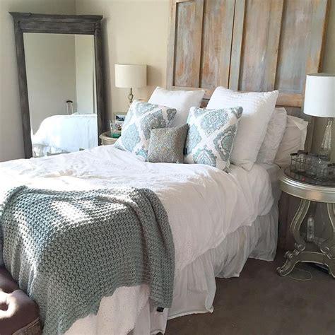 bedroom vidios 1000 ideas about rustic bedroom furniture on pinterest