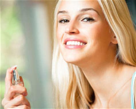 tutorial memakai lipstik agar tahan lama tips memakai cologne agar wanginya tahan lama