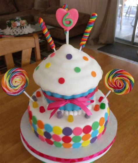 School Of Cake Decorating And Confectionery by 17 Best Ideas About Cupcake Birthday Cakes On