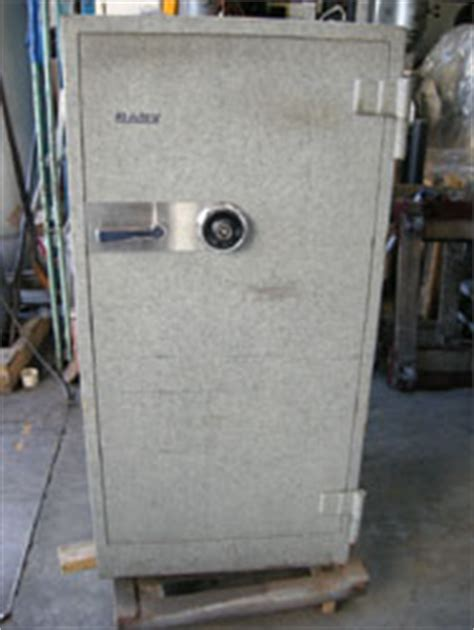 gary proof floor mounted safe used condition used