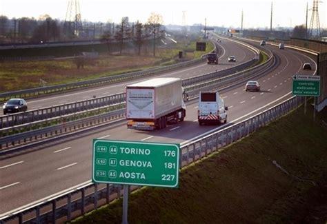 bollettino d italia autostrade bollettino traffico e viabilit 224 code a1 per