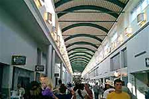Louis Armstrong New Orleans International Airport Bureau De Change Orleans