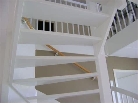 je trap verven trap schilderen een echt klus voor een schilder maar wat