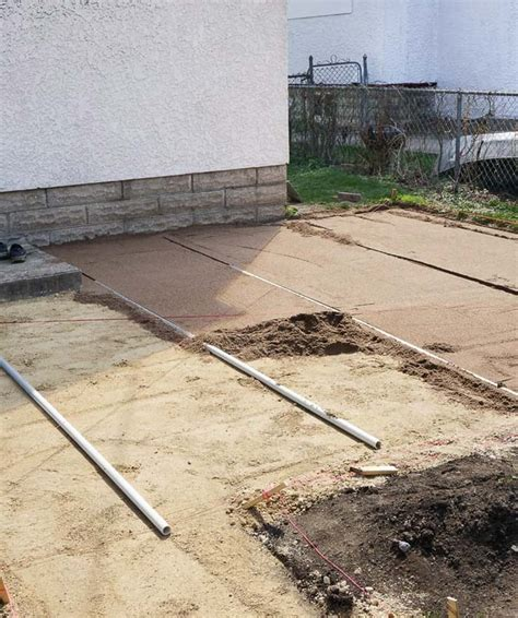 Leveling A Patio by Diy How To Lay A Level Brick Paver Patio Corner
