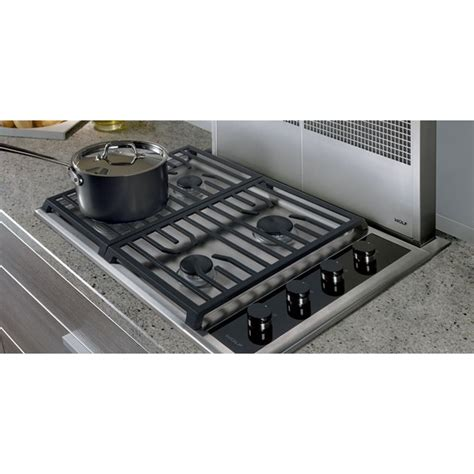 wolf gas cooktop 30 wolf cg304t s lp 30 quot transitional gas cooktop liquid