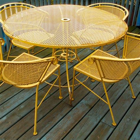 vintage style outdoor furniture 25 best ideas about vintage patio furniture on