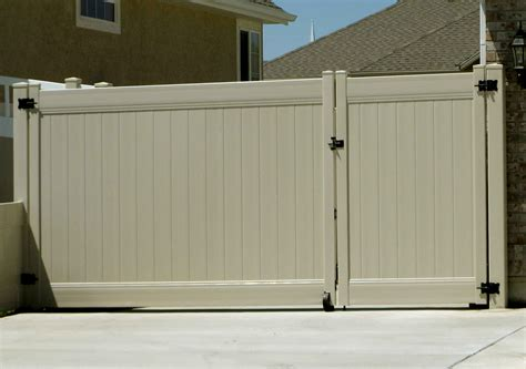 12 Foot Vinyl Gate by Singleton Fence Vinylfence