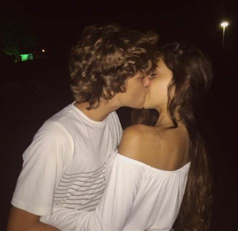 couple in bed tumblr best 25 cute couples kissing ideas on pinterest couple