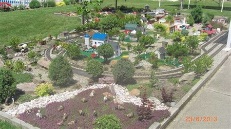 Garden Railroad Layouts Garden Railroad Layouts Garvan Woodland Gardens Springs Ar Sugg Model Garden G Scale Garden