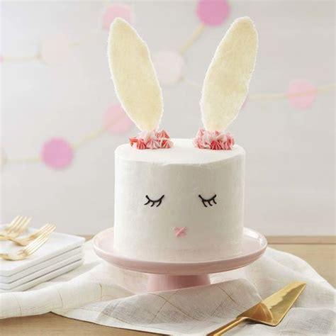 Roll Cake Rabbit easter bunny cake easter cake ideas wilton